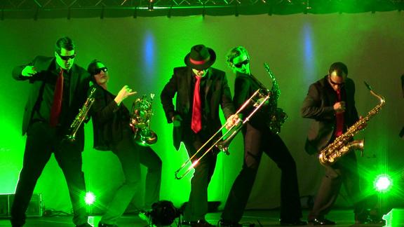 mobile-band-gala-event-ball-kongresse-aworeds-firmenevents-firmenfeier-messeparty-standparty-stadtfest-festival-verkaufsoffene-sonntag-liveband-bühne
