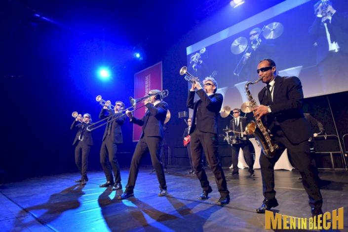 mobile-band-fuer-gala-events-kongresse-grossveranstaltungen-firmenevents-weihnachtsfeier-15