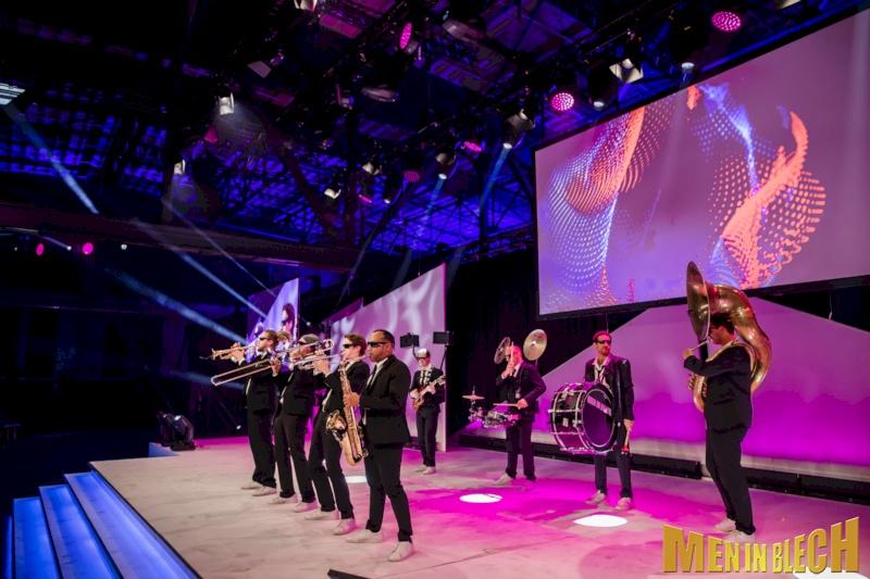 mobile-band-fuer-gala-events-kongresse-grossveranstaltungen-firmenevents-weihnachtsfeier-9