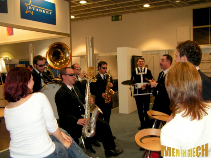 standparty-mobile-band-messestand-party-messeparty-5